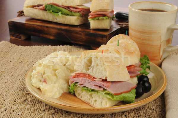 Tengeralattjáró szendvics burgonyasaláta olasz kenyér ital Stock fotó © MSPhotographic