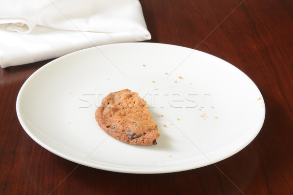Dernier mordre cookie chocolat puce plaque Photo stock © MSPhotographic