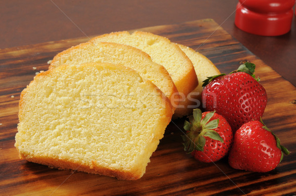 Pound cake and strawberries Stock photo © MSPhotographic