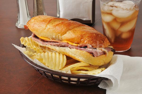 Marhahús tengeralattjáró szendvics sajt burgonyaszirom kenyér Stock fotó © MSPhotographic