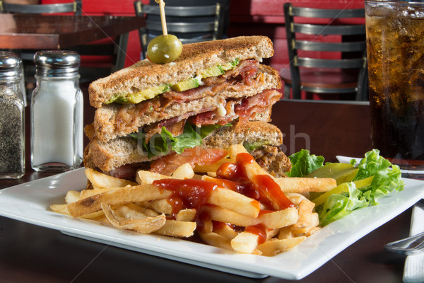 Blt sanduíche bacon alface tomates fries Foto stock © MSPhotographic