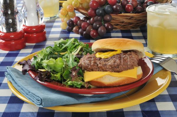 чизбургер Салат домой приготовленный сыра обед Сток-фото © MSPhotographic