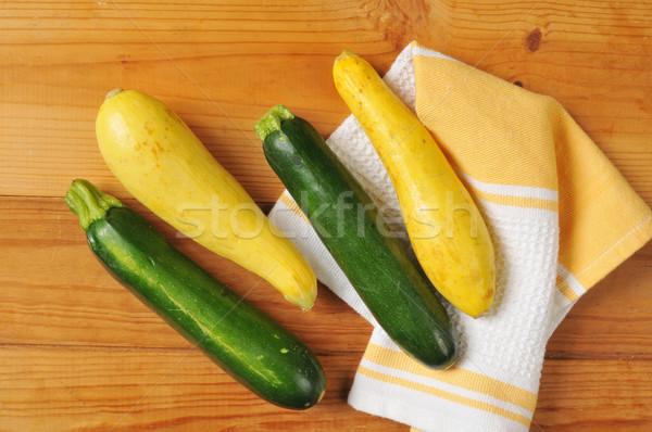 Zomer courgette squash keuken handdoek vruchten Stockfoto © MSPhotographic