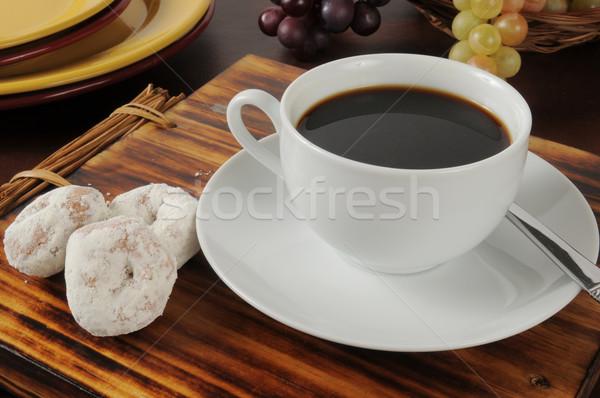 Koffie donuts zwarte koffie poedersuiker cake voedsel Stockfoto © MSPhotographic