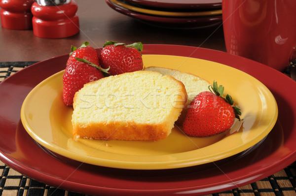 Funt ciasto truskawek plastry świeże dojrzały Zdjęcia stock © MSPhotographic
