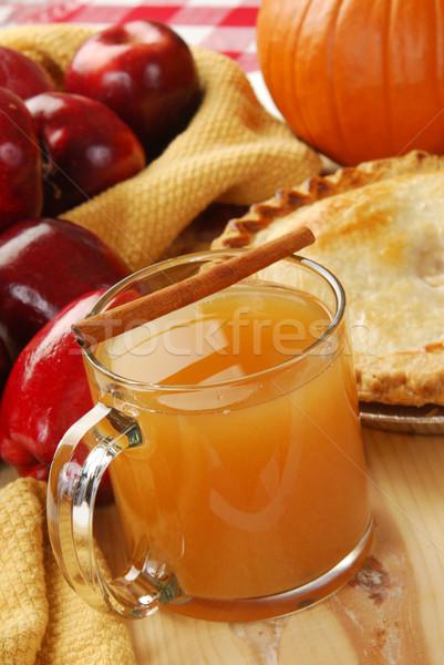 Jabłko jabłecznik cynamonu kubek hot koszyka Zdjęcia stock © MSPhotographic