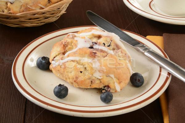 áfonya teasütemény tányér friss bogyók étel Stock fotó © MSPhotographic