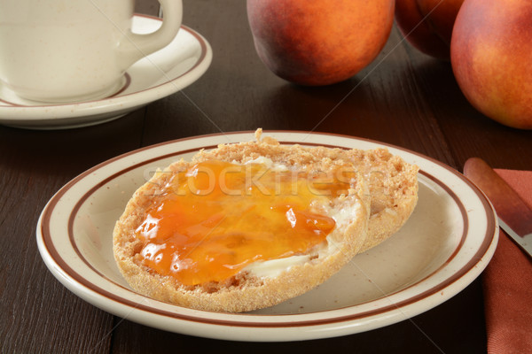 Engels muffin perzik jam geroosterd geheel Stockfoto © MSPhotographic