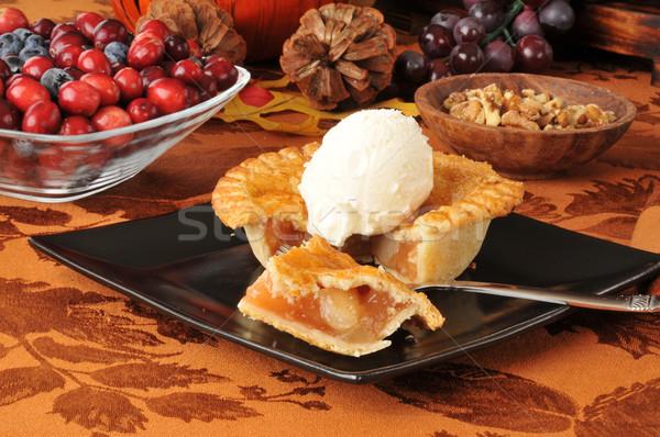 Almás pite mini desszert ünnep pite krém Stock fotó © MSPhotographic