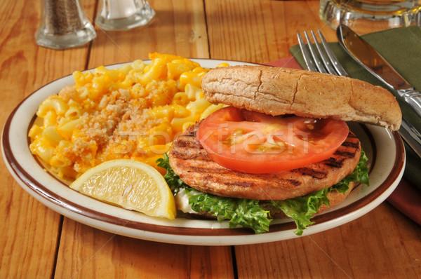 Lazac hamburger makaróni sajt grillezett sör Stock fotó © MSPhotographic