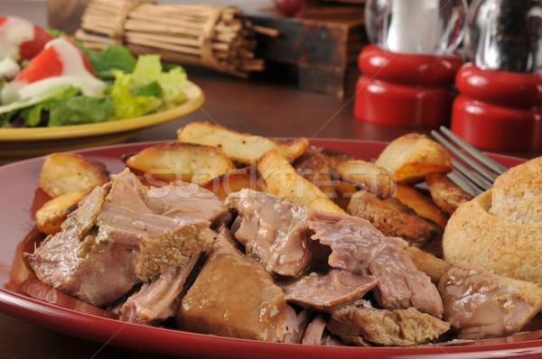 Foto stock: Carne · de · porco · batatas · suculento · brinde · frito · salada