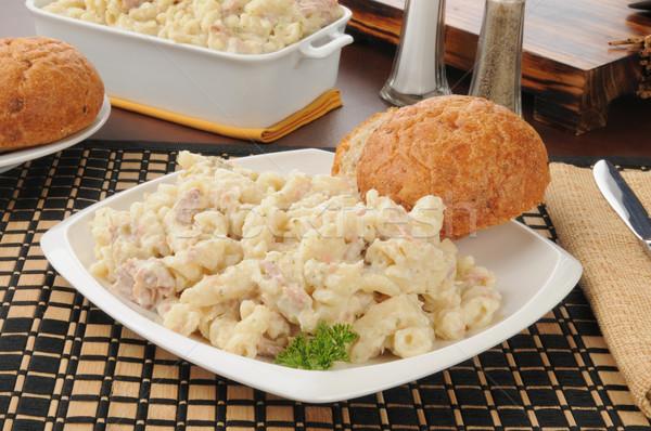 Atum macarrão jantar rolar macarrão trigo Foto stock © MSPhotographic