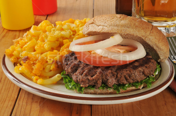 Hamburger Mac kaas gegrild macaroni glas Stockfoto © MSPhotographic