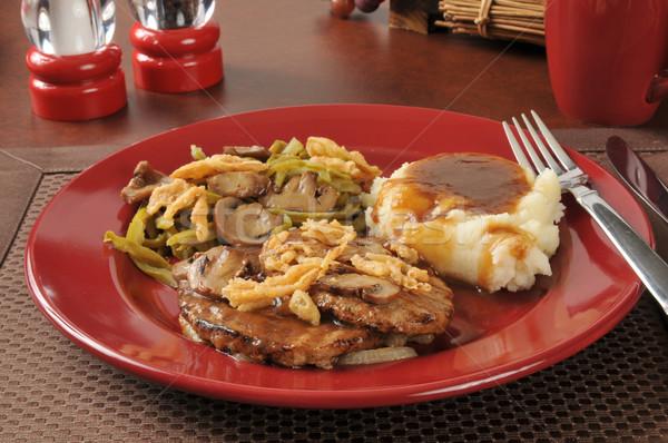 Biefstuk groene bonen tabel plaat vlees Stockfoto © MSPhotographic