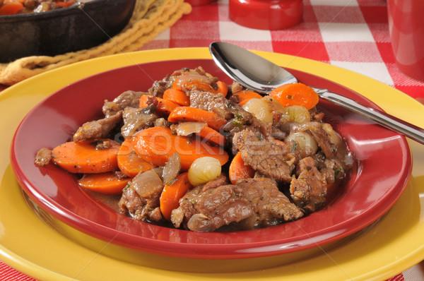 Tablicy gulasz wołowy marchew grzyby wina sos Zdjęcia stock © MSPhotographic