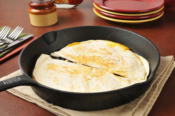 Cheddar sajt öntöttvas adag tányérok vacsora Stock fotó © MSPhotographic