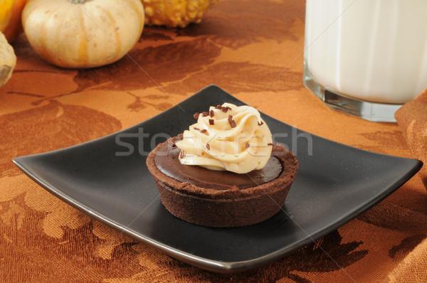 Chocolate crema postre tarta vidrio leche Foto stock © MSPhotographic