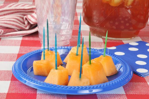 Picknicktafel geserveerd gezonde snack plaat picknick Stockfoto © MSPhotographic