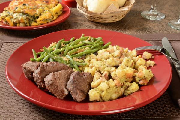 Marhahús vacsora organikus töltelék zöldbab fallabda Stock fotó © MSPhotographic