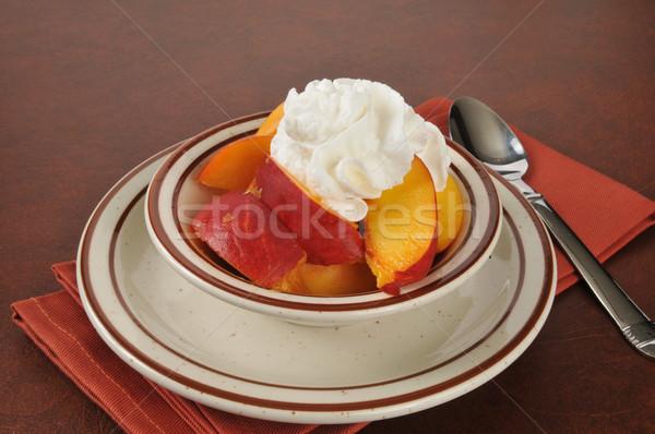 桃 ホイップクリーム 新鮮な 食品 スプーン ストックフォト © MSPhotographic