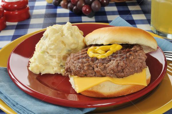 Cheeseburger insalata di patate home cotto formaggio insalata Foto d'archivio © MSPhotographic