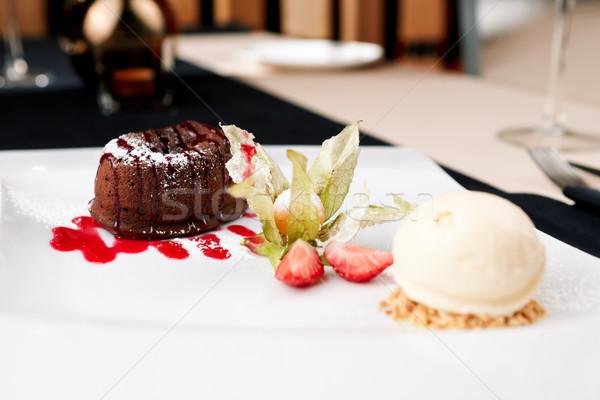 Cioccolato vaniglia gelato lampone salsa alimentare Foto d'archivio © mtoome