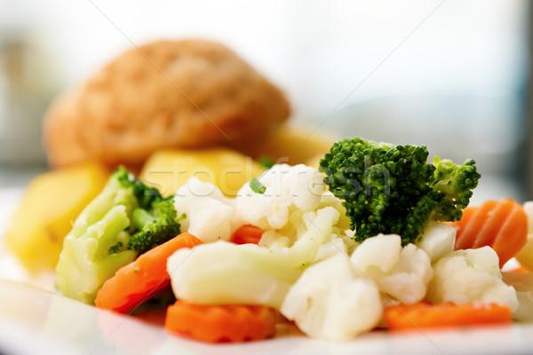 Foto stock: Frango · couve-flor · cenoura · brócolis · comida · restaurante
