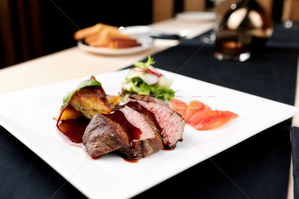 Rundvlees filet aardappel vers salade groene Stockfoto © mtoome