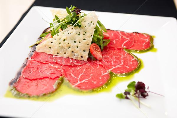 Boeuf salade parmesan vert fromages pétrolières Photo stock © mtoome
