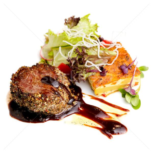 Carne de vacuno filete papa frescos ensalada alimentos Foto stock © mtoome