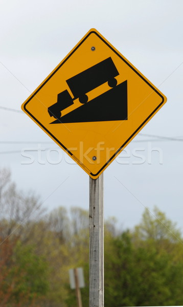 Stromy ciężarówka drogowego podpisania Zdjęcia stock © mybaitshop