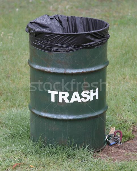 зеленый мусорное ведро парка зеленая трава Сток-фото © mybaitshop