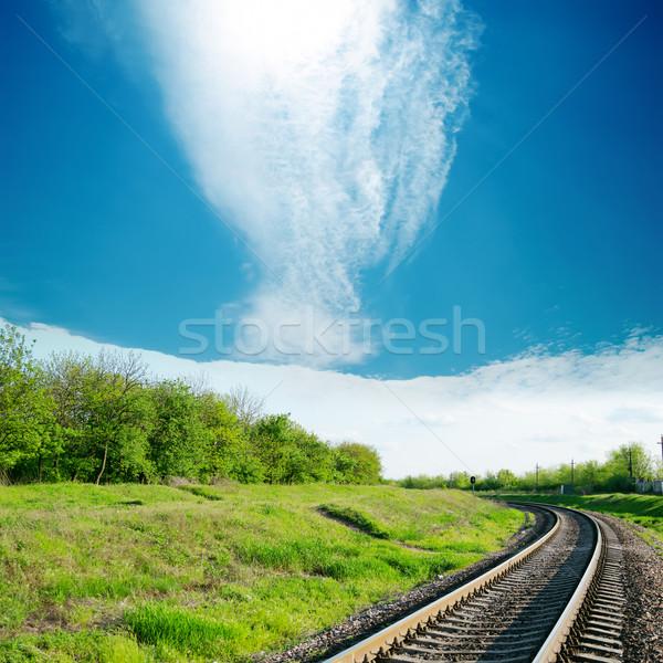 Himmel Wolke Eisenbahn grünen Landschaft Hintergrund Stock foto © mycola