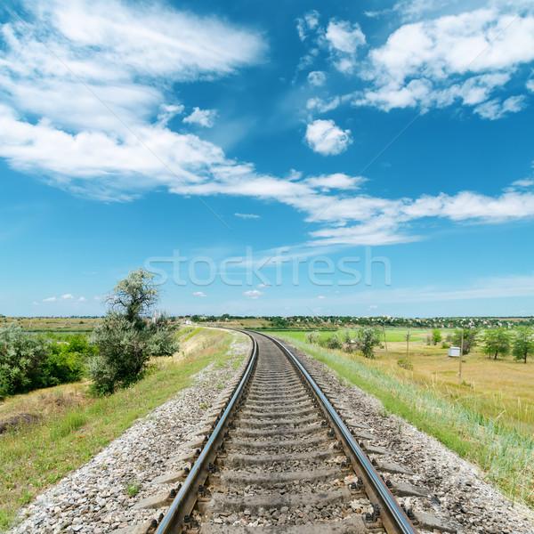 Kolej żelazna zielone krajobraz biały chmury Błękitne niebo Zdjęcia stock © mycola