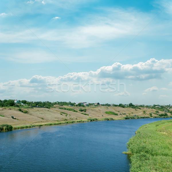 Mętny niebo rzeki wody trawy krajobraz Zdjęcia stock © mycola