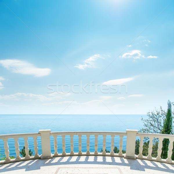Foto stock: Branco · varanda · mar · luz · nuvens · céu