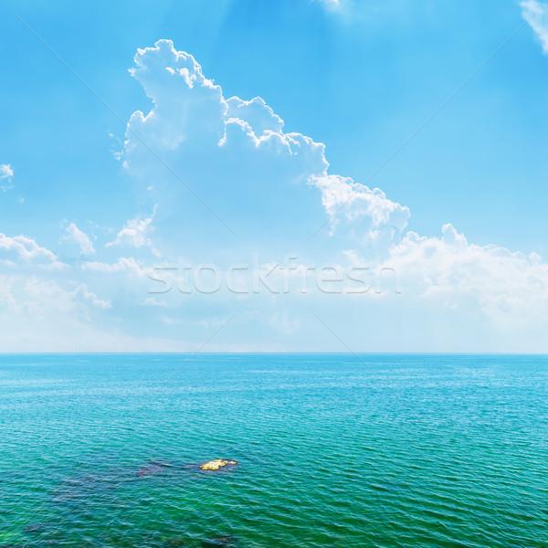 Masmavi deniz mavi gökyüzü bulutlar doğa manzara Stok fotoğraf © mycola