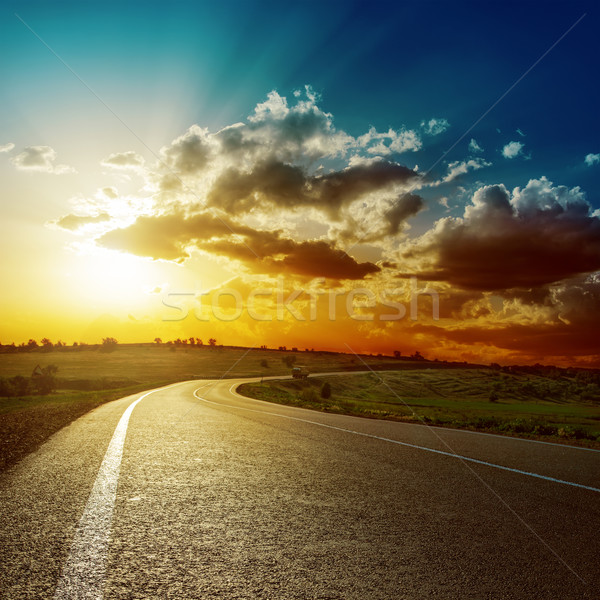 Fantastik gün batımı asfalt yol ışık yaz Stok fotoğraf © mycola