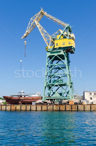 Kikötő állvány üzlet égbolt építkezés kék Stock fotó © mycola