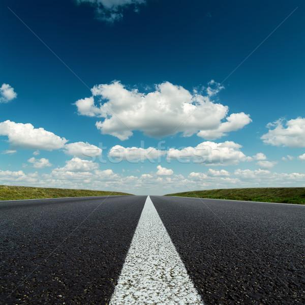 Asfalt drogowego horyzoncie głęboko niebieski mętny Zdjęcia stock © mycola