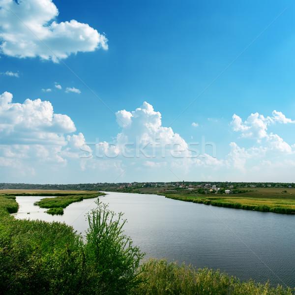 Duży rzeki niebieski mętny niebo charakter Zdjęcia stock © mycola