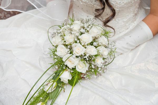 Fehér rózsa esküvői csokor kéz virágok esküvő Stock fotó © mycola