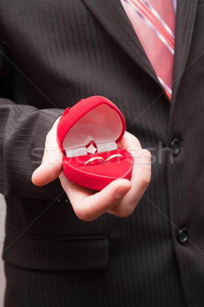 Mann zwei Ringe Hand Paar Feld Stock foto © mycola
