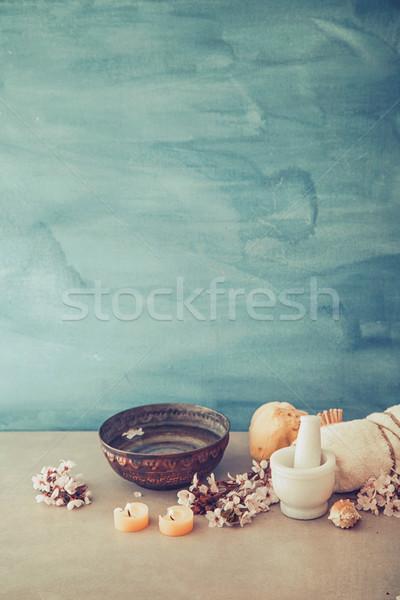 Fürdő természetes kozmetika termékek wellness nő Stock fotó © mythja