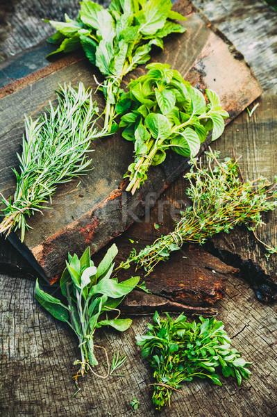świeże zioła drewna kulinarny składniki rustykalny Zdjęcia stock © mythja
