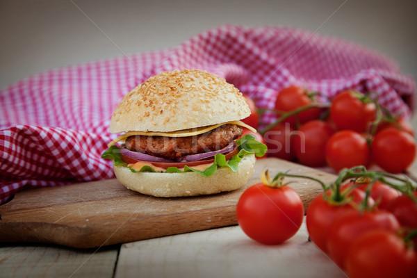 ハンバーガー 素朴な ハンバーガー 木板 ビール ストックフォト © mythja