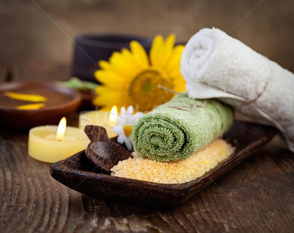 Fürdő wellness természetes fürdősó gyertyák törölköző Stock fotó © mythja