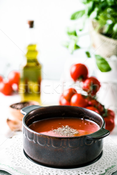 Sopa de tomate aceite de oliva albahaca comida vegetariana alimentos cena Foto stock © mythja