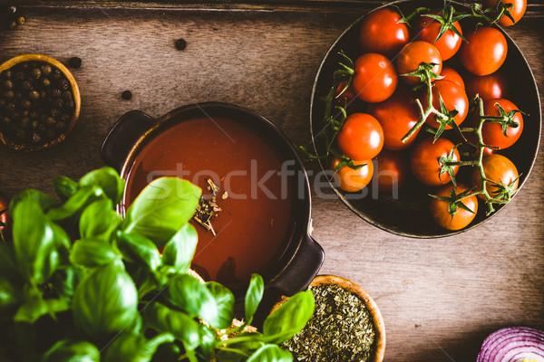 Zupa pomidorowa domowej roboty pomidory zioła przyprawy komfort Zdjęcia stock © mythja