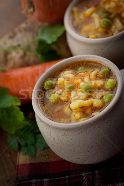 Sopa de legumes ensopado cenouras ervilhas macarrão salsa Foto stock © mythja